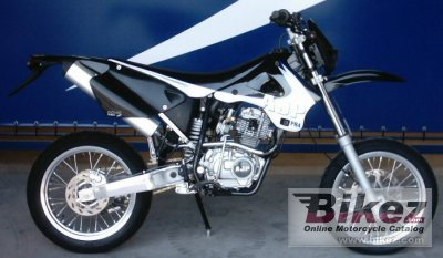 2005 AJP PR4 125 Supermotard photo
