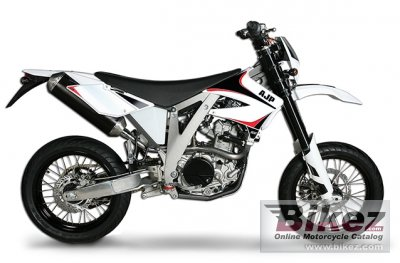 2015 Ajp Pr5 250 Supermoto Specifications And Pictures