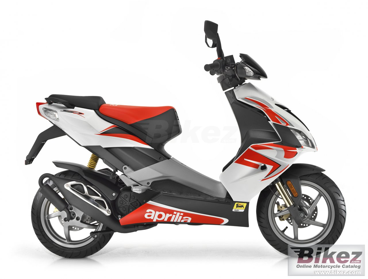 Big Aprilia sr 50 r picture and wallpaper from Bikez.com