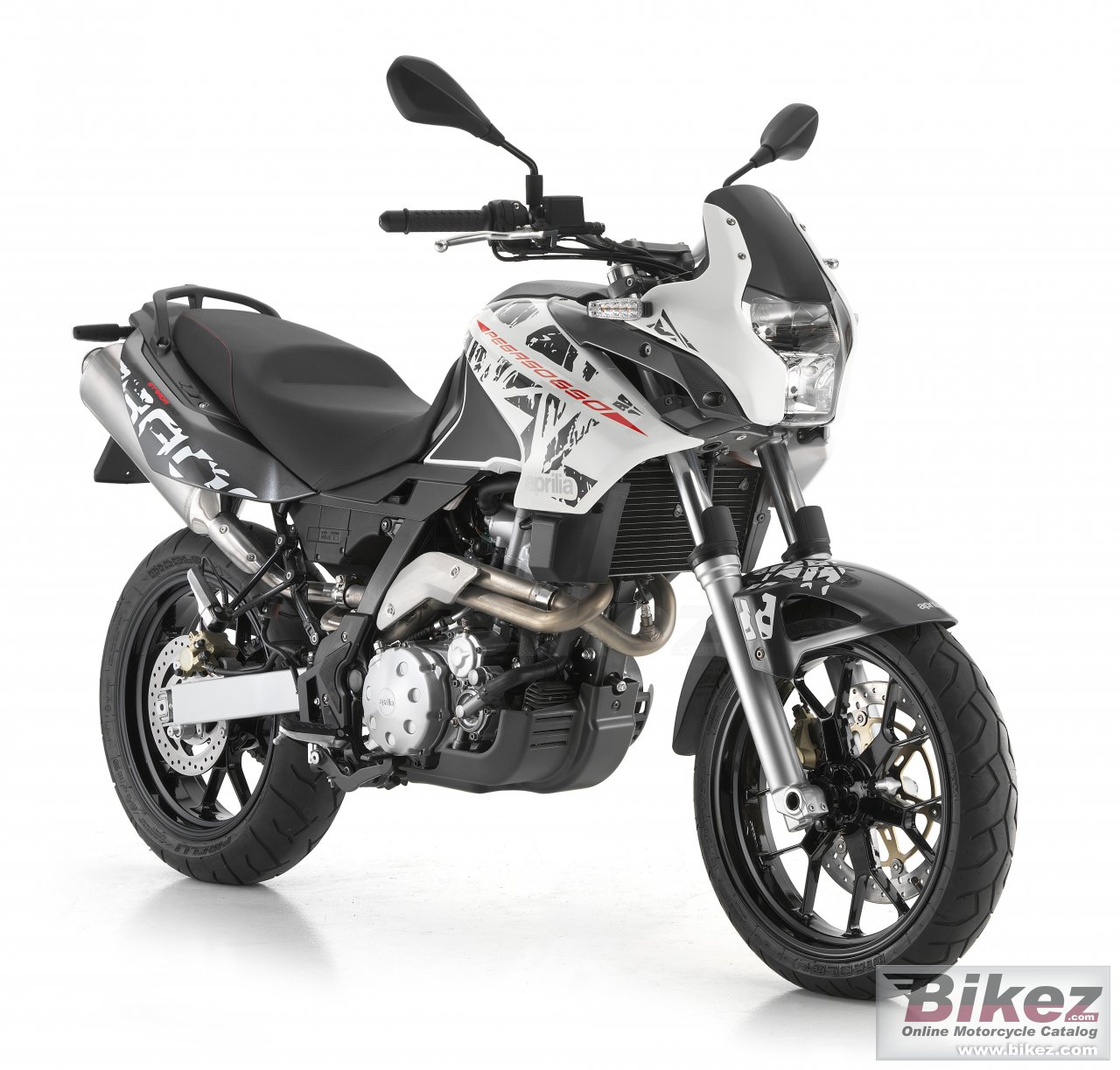 Big Aprilia pegaso 650 picture and wallpaper from Bikez.com