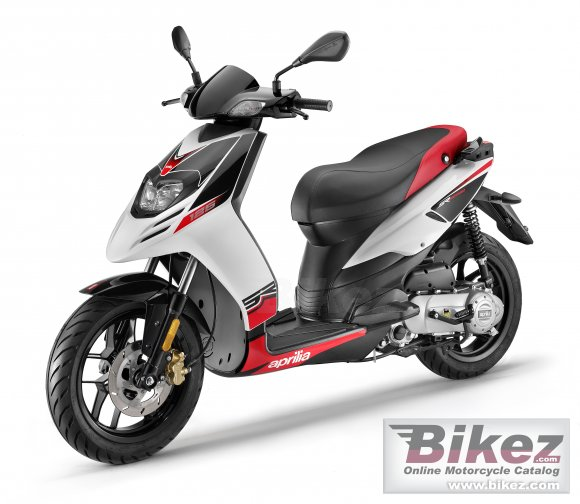 2012 Aprilia SR Motard 125 photo