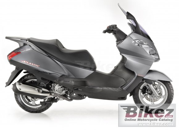 2013 Aprilia Atlantic 300 photo