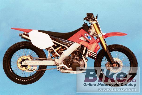Big ATK 450 dirt track picture and wallpaper from Bikez.com