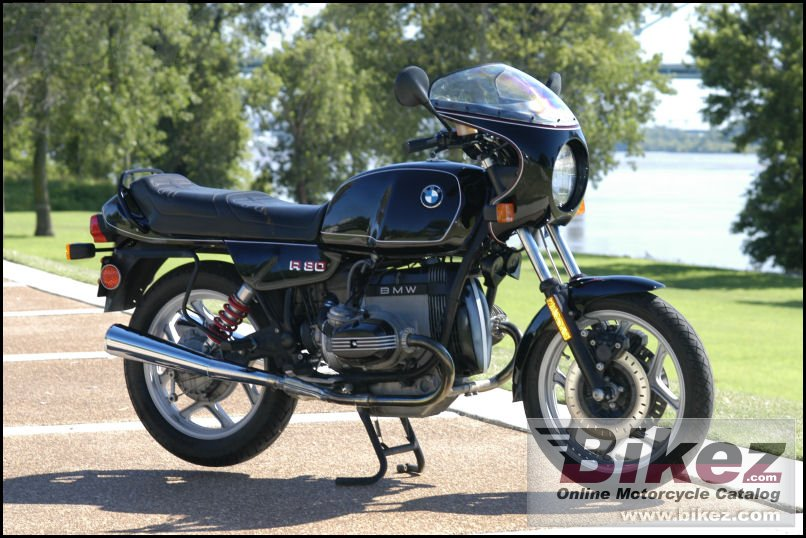 emphis TN USA. BMW cafe fairing added by owner. r 80