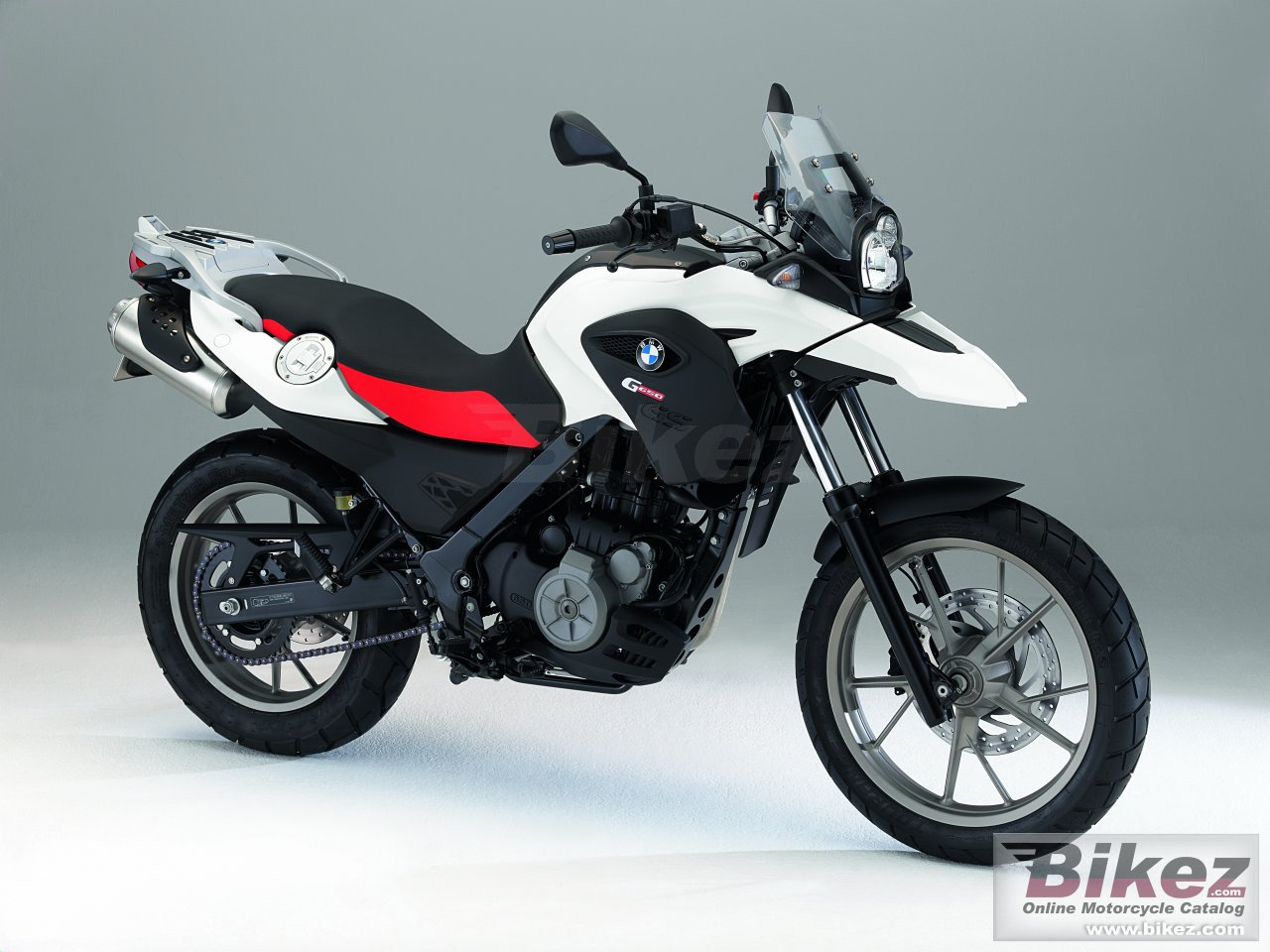 Big BMW g 650 gs picture and wallpaper from Bikez.com