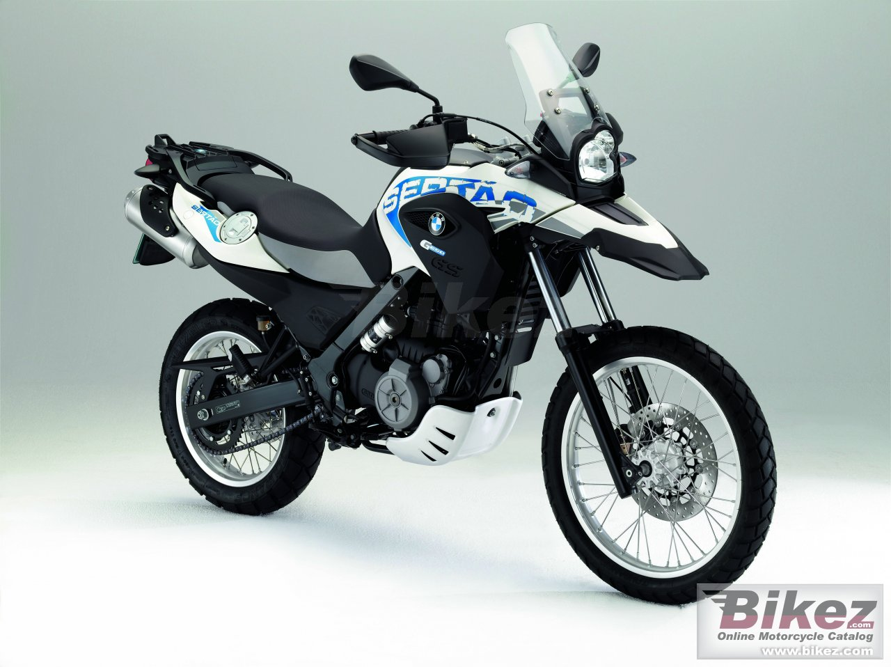 Big BMW g 650 gs sertao picture and wallpaper from Bikez.com