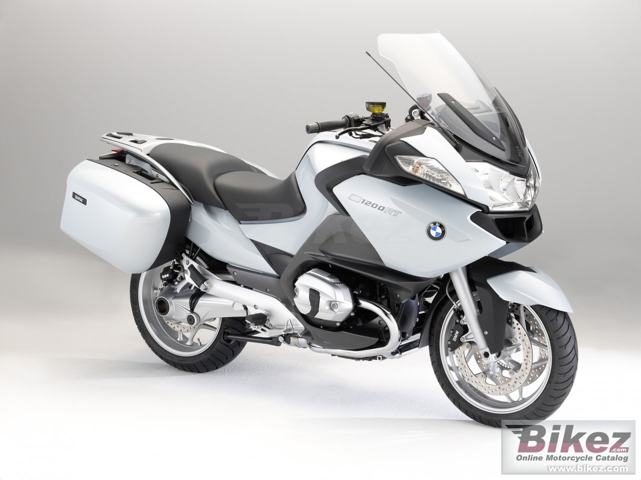 Big BMW r 1200 rt picture and wallpaper from Bikez.com