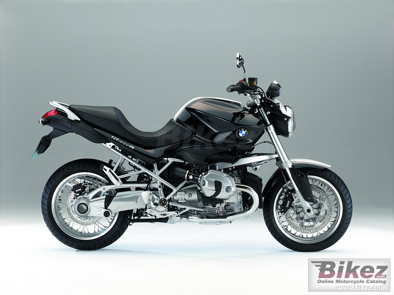 Big BMW r 1200 r classic picture and wallpaper from Bikez.com