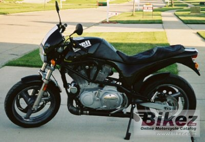 1998 Buell M2 Cyclone photo