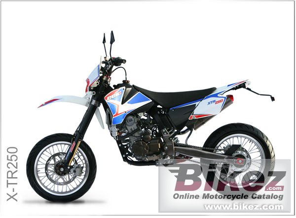 Big CCM x-tr250 picture and wallpaper from Bikez.com