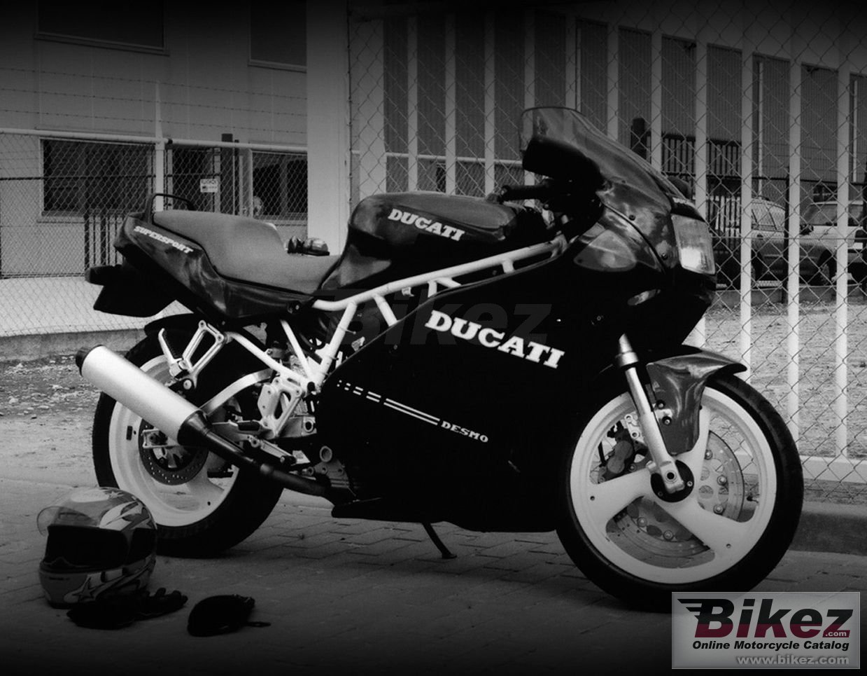 Big Photo by - Miko 750 ss picture and wallpaper from Bikez.com