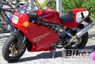 1995 Ducati 900 Superlight specifications and pictures