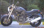 1999 Ducati Monster 900 photo