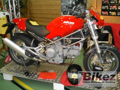 2001 Ducati Monster 900 specifications and pictures