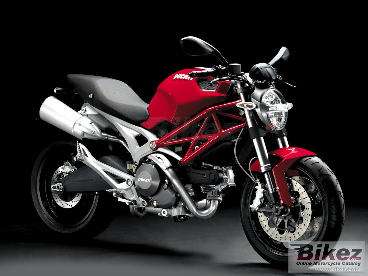 Big Ducati monster 696 picture and wallpaper from Bikez.com
