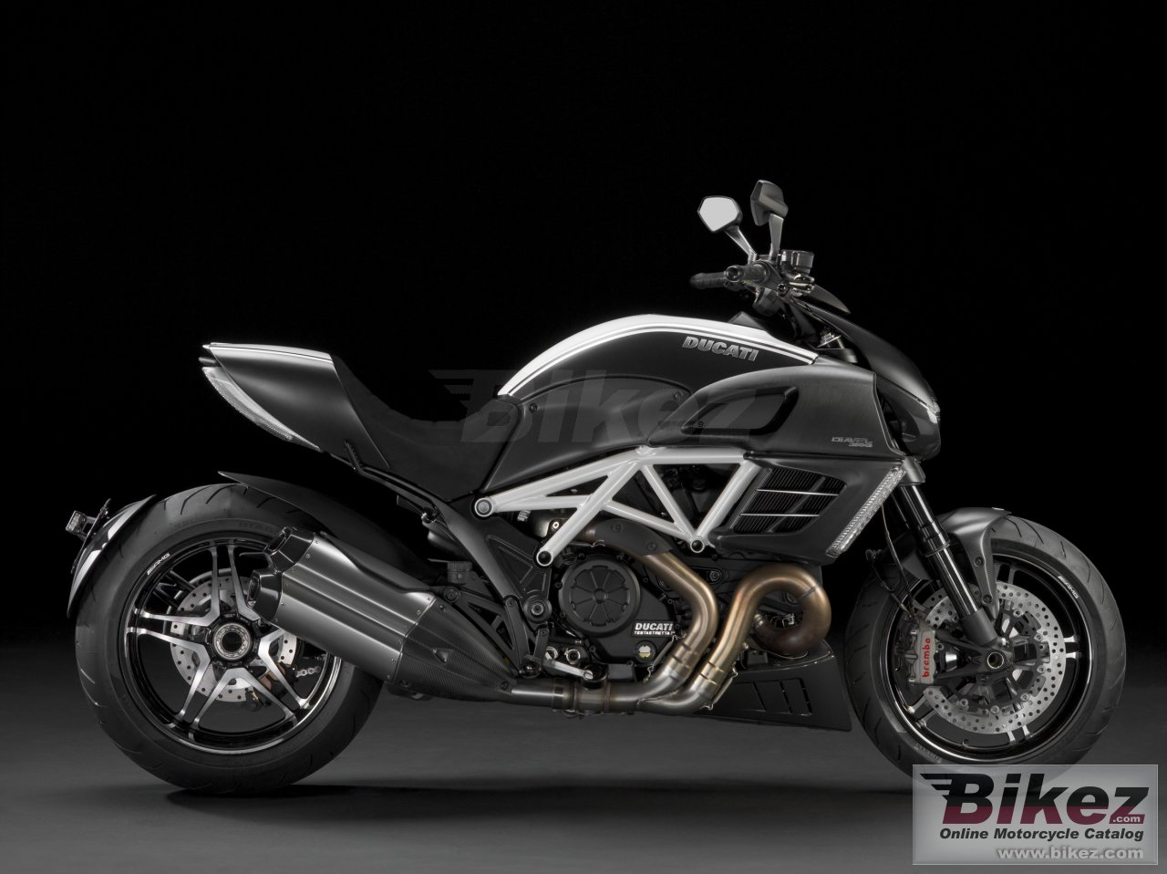 Big Ducati diavel amg picture and wallpaper from Bikez.com