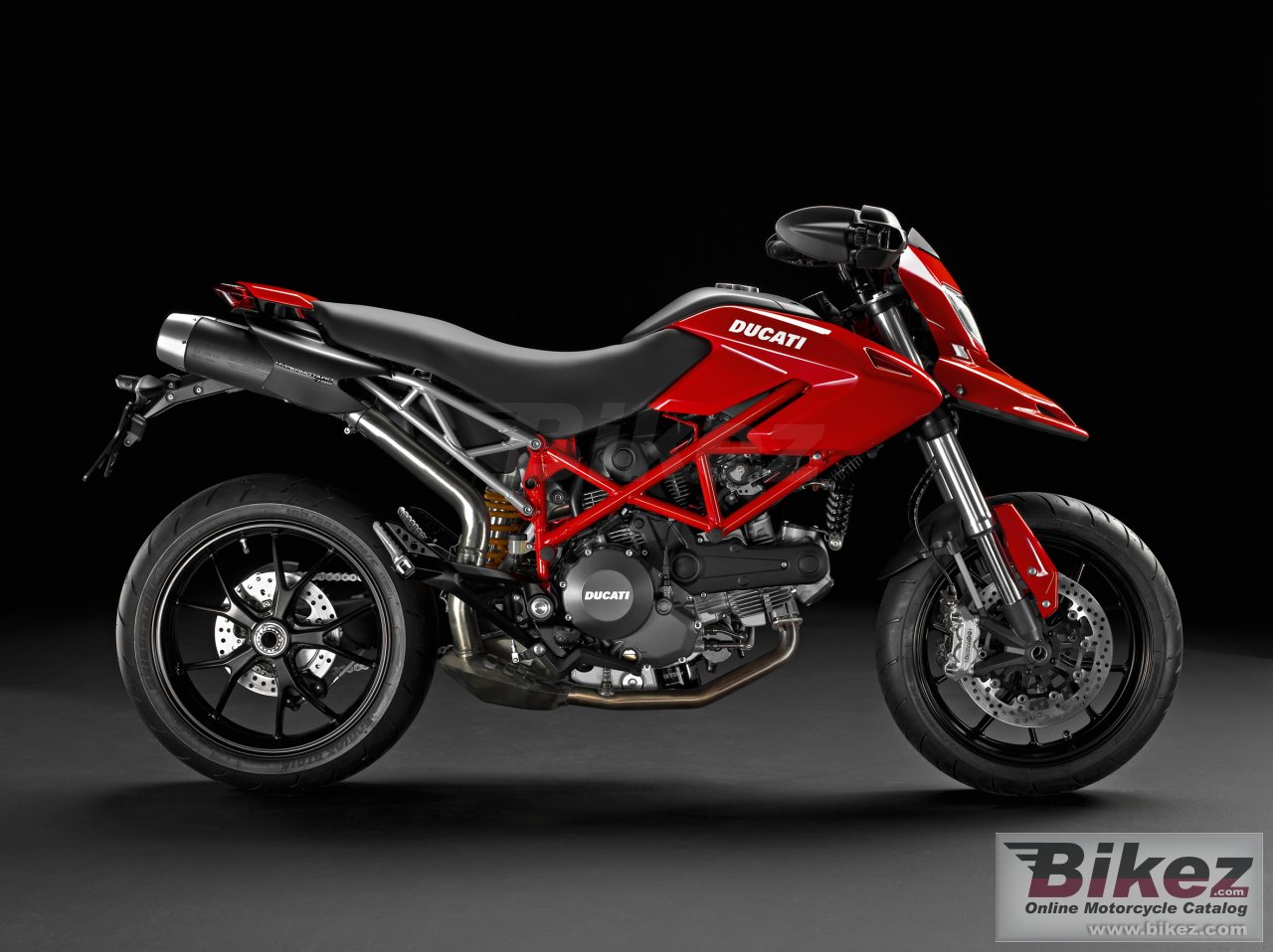 Big Ducati hypermotard 796 picture and wallpaper from Bikez.com
