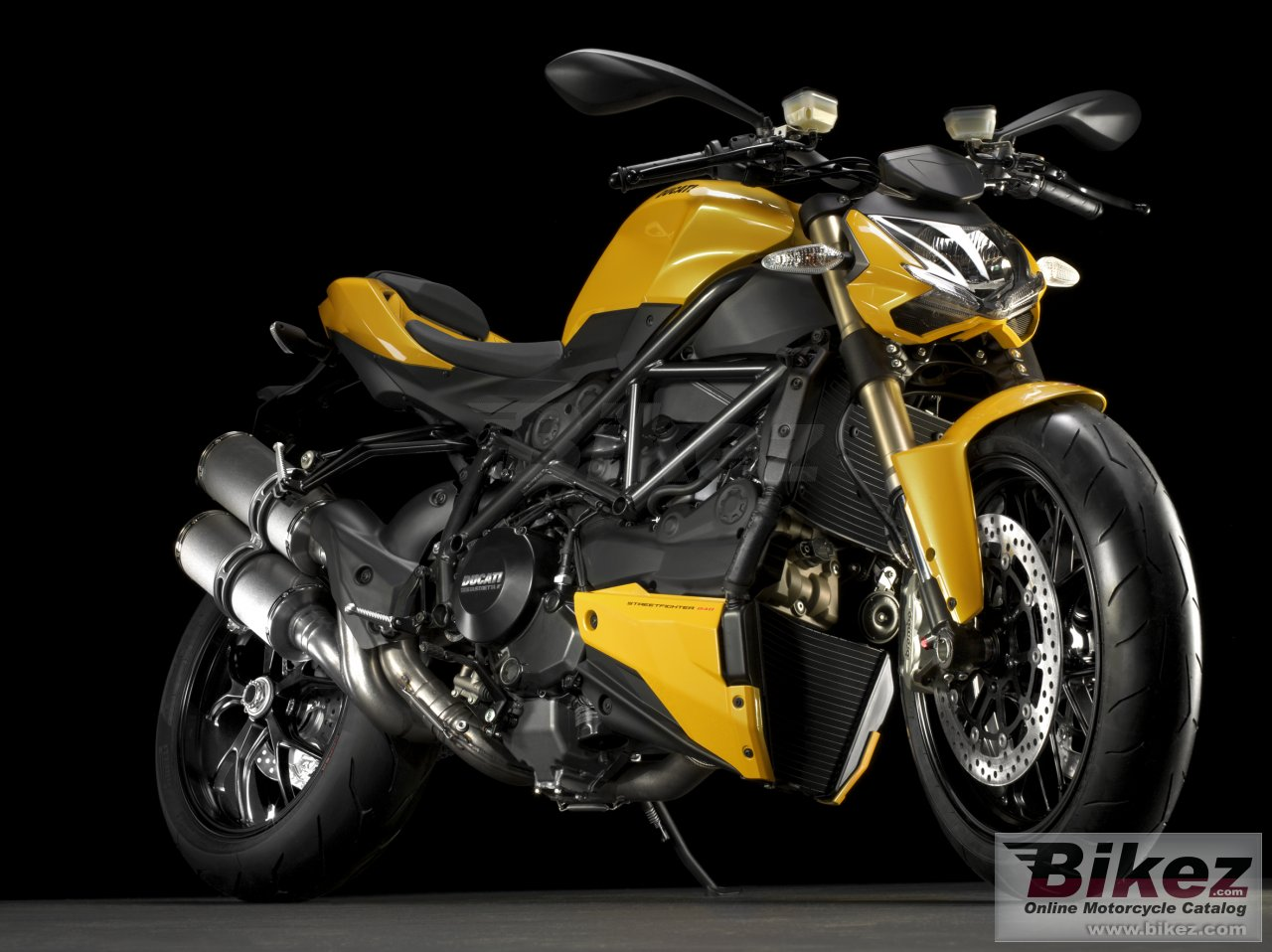 Big Ducati streetfighter 848 picture and wallpaper from Bikez.com