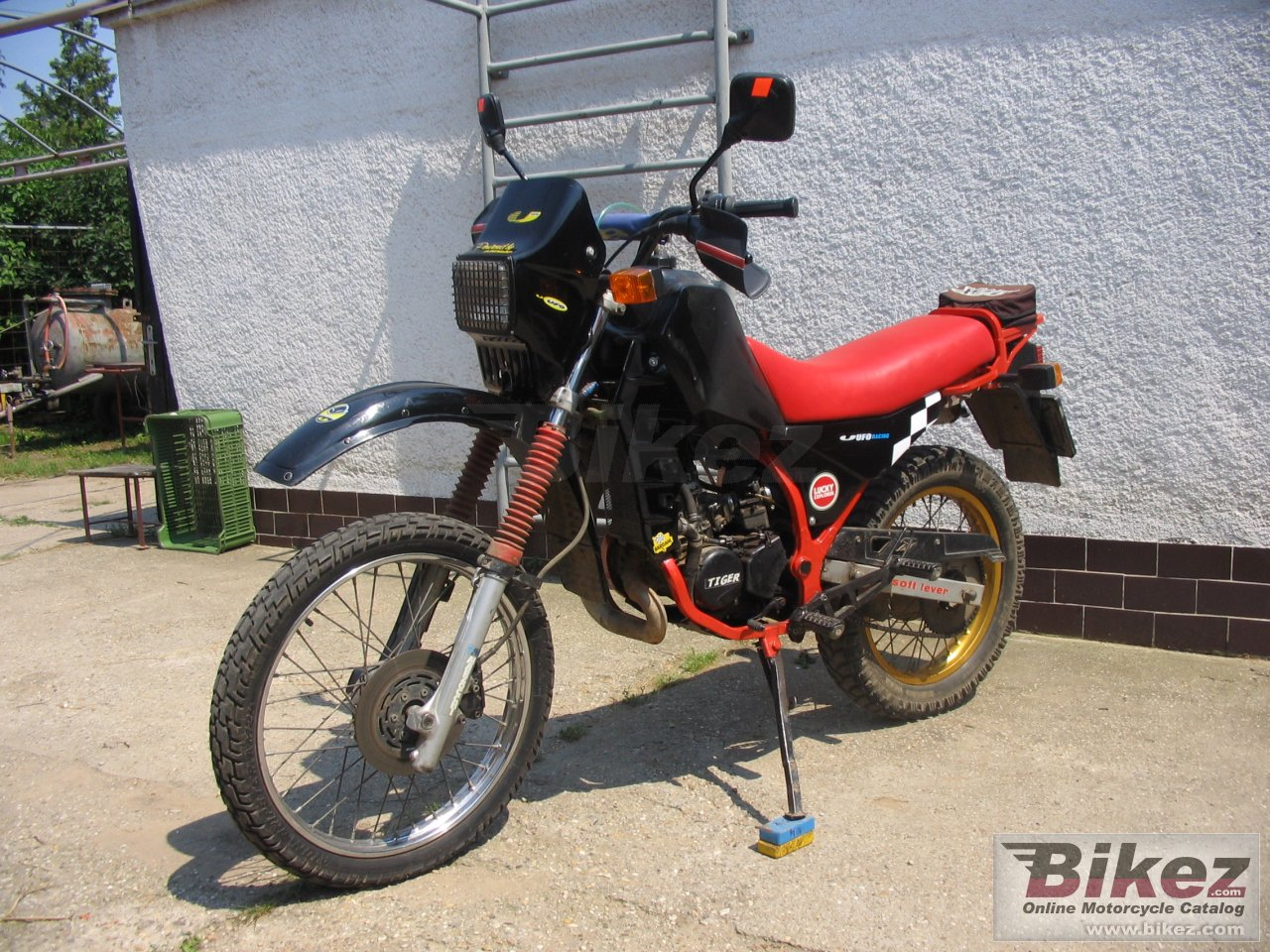 Big kia xr 125 tiger picture and wallpaper from Bikez.com