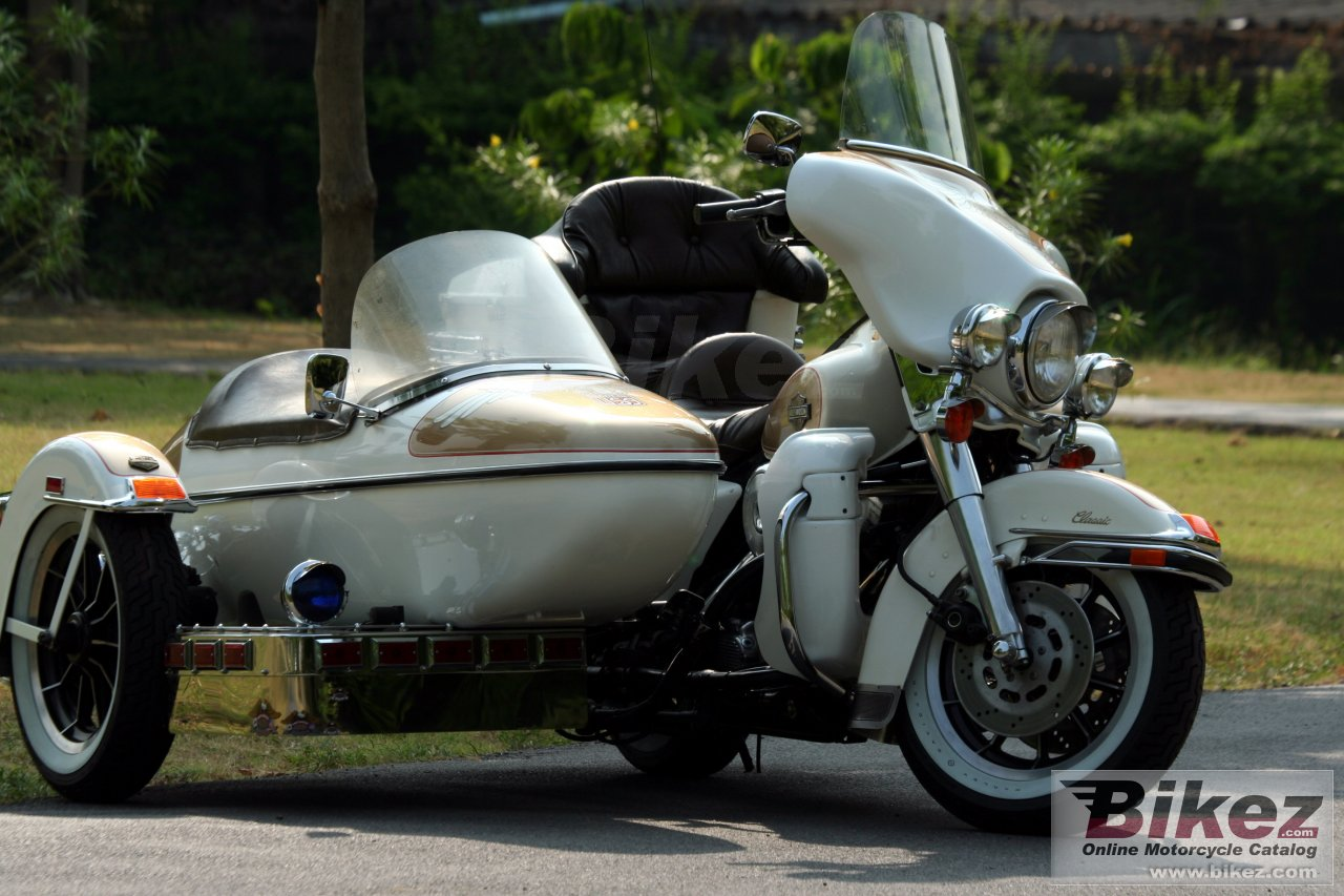 Big ok Thailand flhtc 1340 (with sidecar) picture and wallpaper from Bikez.com