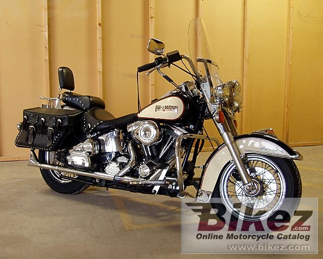 Big Roger Lyden flstc 1340 heritage softail classic picture and wallpaper from Bikez.com