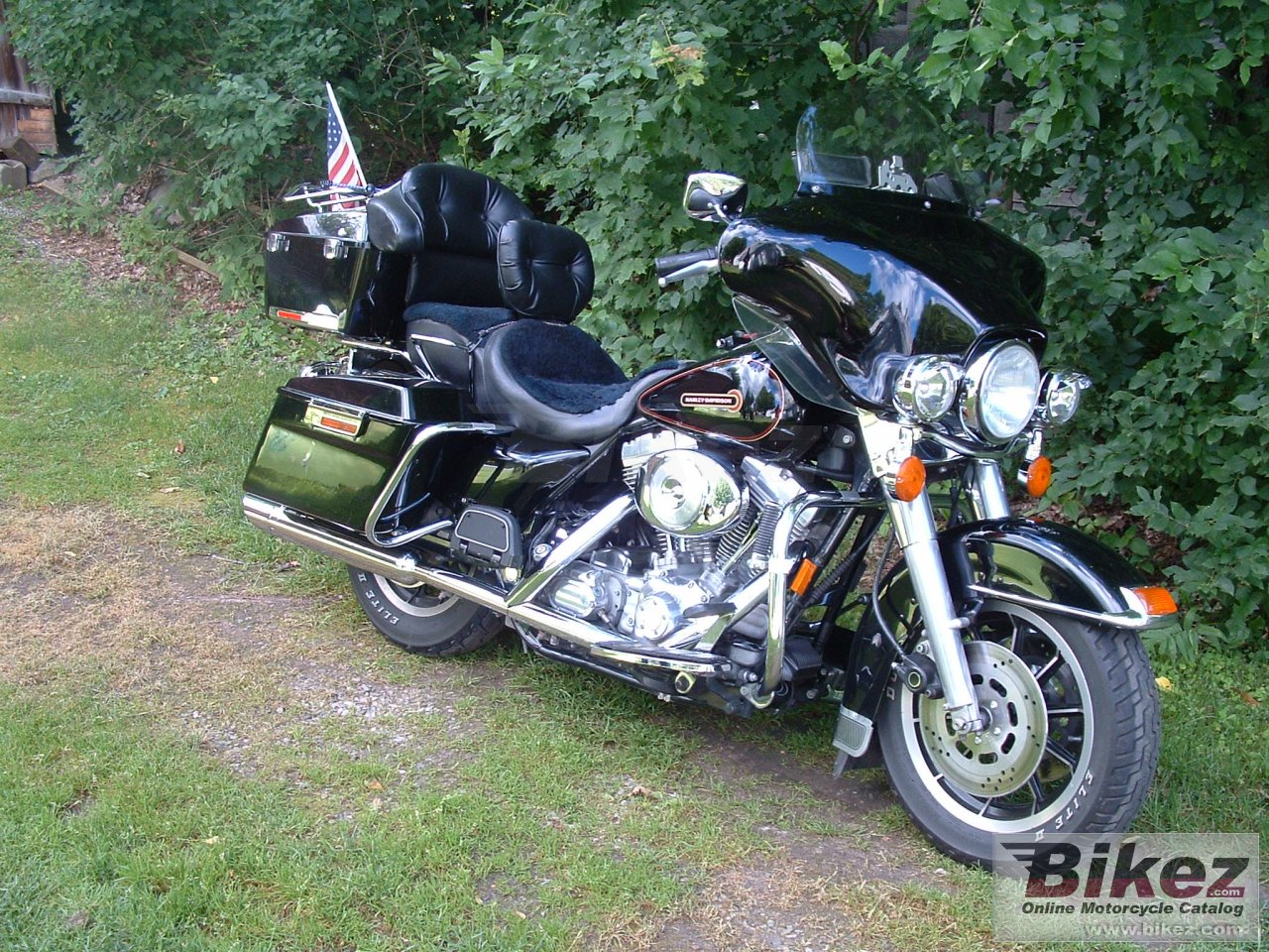 Big  flht electra glide standard picture and wallpaper from Bikez.com