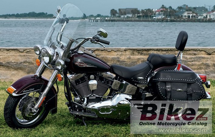 Big Harley-Davidson flstci heritage softail classic picture and wallpaper from Bikez.com