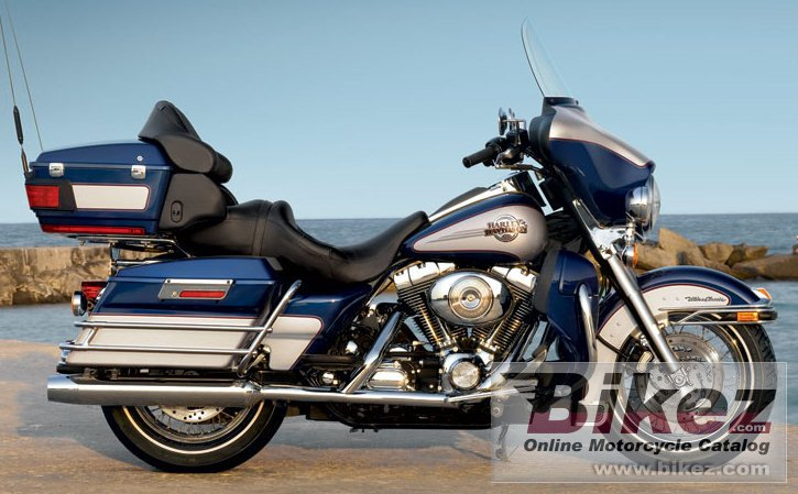 Big Harley-Davidson flhtcui ultra classic electra glide picture and wallpaper from Bikez.com