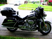 2006 Harley-Davidson FLHTCUSE Screamin Eagle Ultra Classic Electra Glide photo