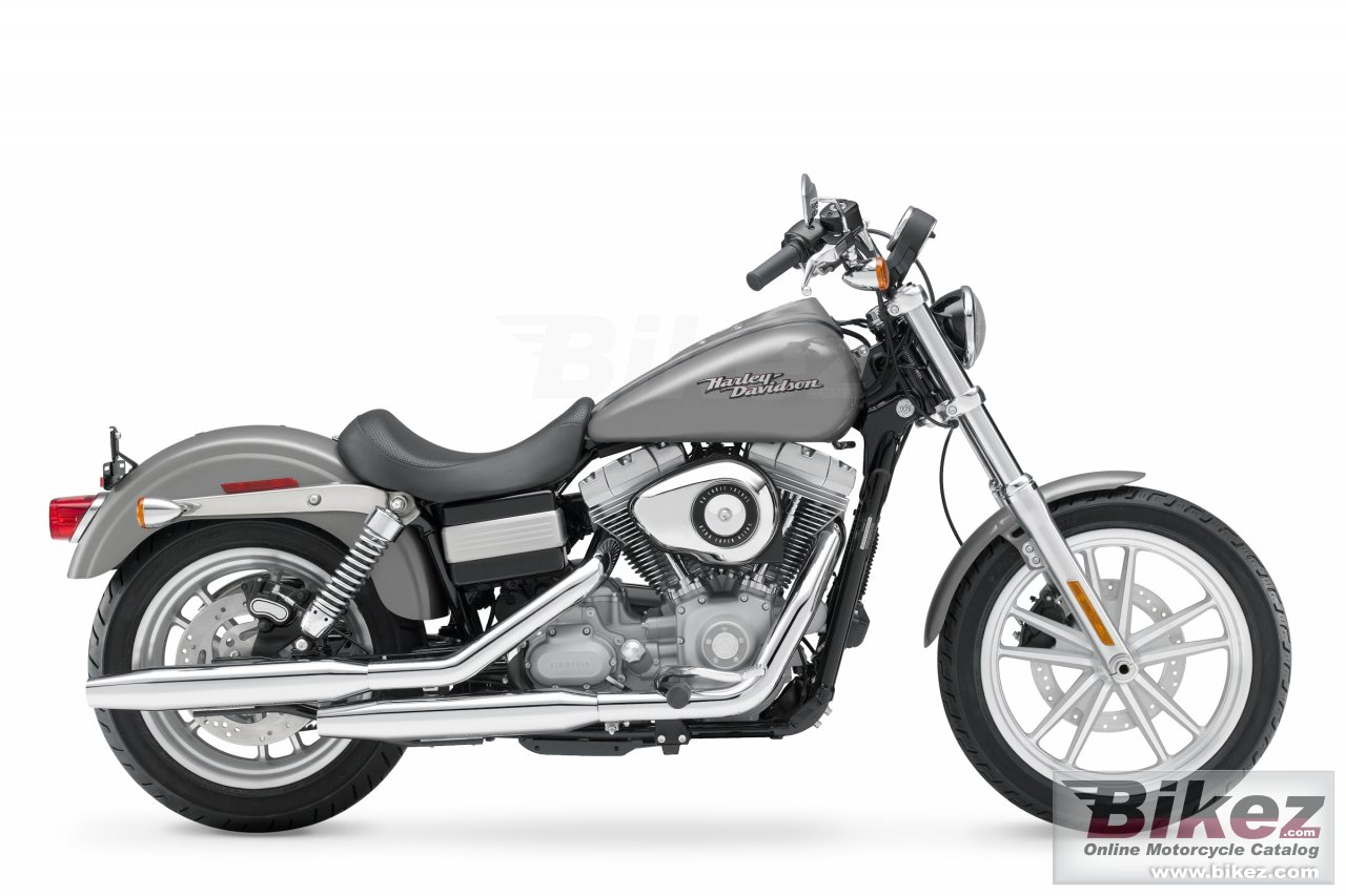 Big Harley-Davidson fxd dyna super glide picture and wallpaper from Bikez.com
