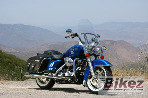 2008 Harley-Davidson FLHRC Road King Classic photo