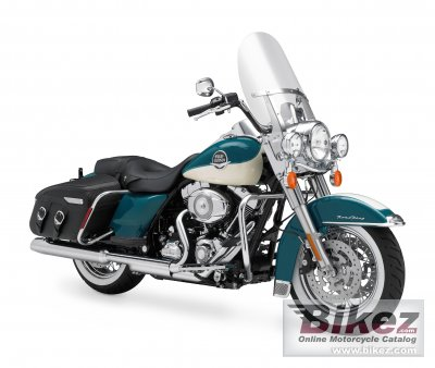 2009 Harley-Davidson FLHRC Road King Classic photo