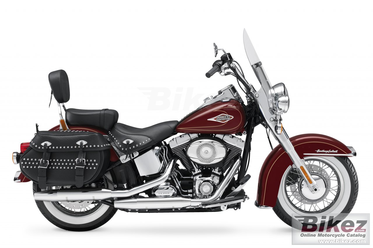 Big Harley-Davidson flstc heritage softail classic picture and wallpaper from Bikez.com