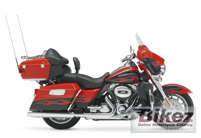2010 Harley-Davidson FLHTCUSE5 CVO Ultra Classic Electra Glide photo