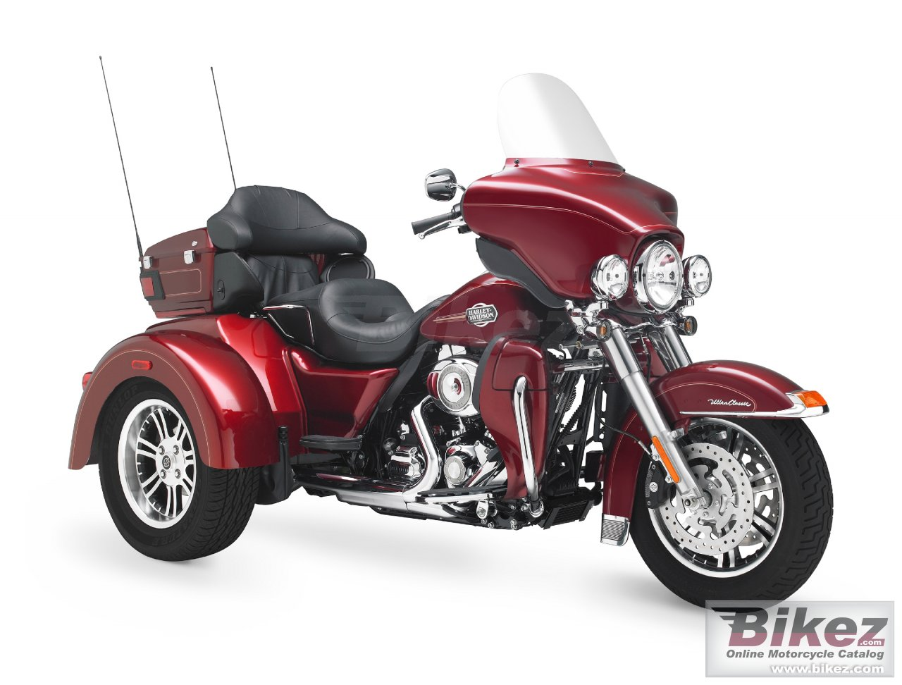 Big Harley-Davidson flhtcutg tri glide ultra classic picture and wallpaper from Bikez.com