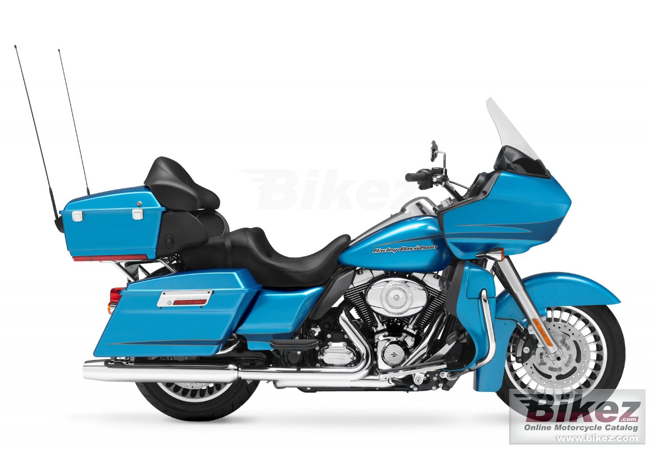 Big Harley-Davidson fltru road glide ultra picture and wallpaper from Bikez.com