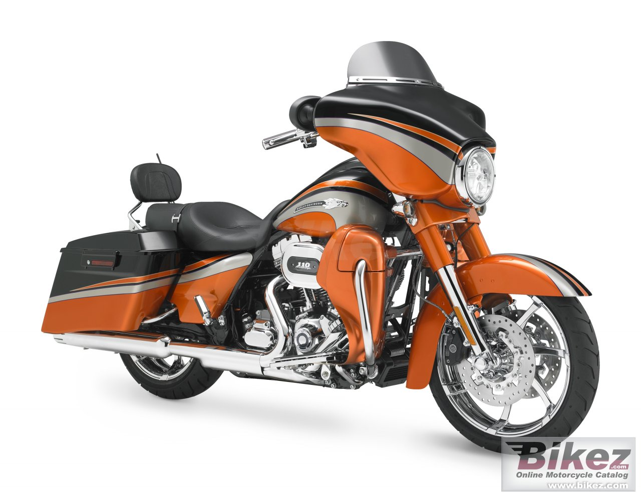 Big Harley-Davidson flhxse2 cvo street glide picture and wallpaper from Bikez.com