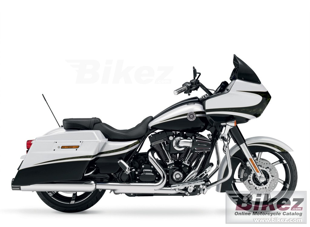 Big Harley-Davidson fltrxse cvo road glide custom picture and wallpaper from Bikez.com