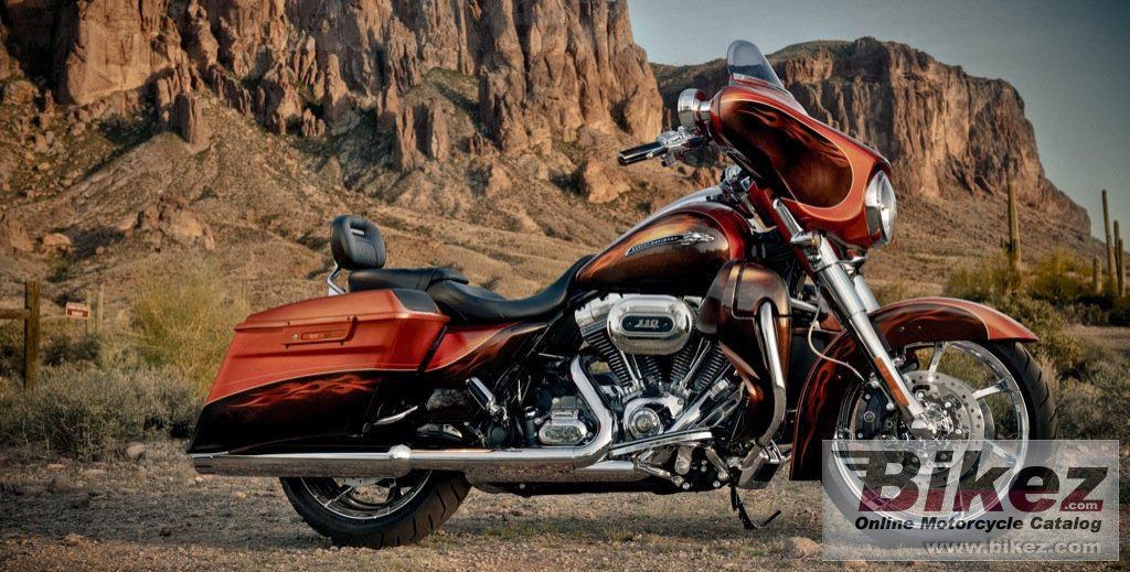 Big Harley-Davidson flhxse3 cvo street glide picture and wallpaper from Bikez.com