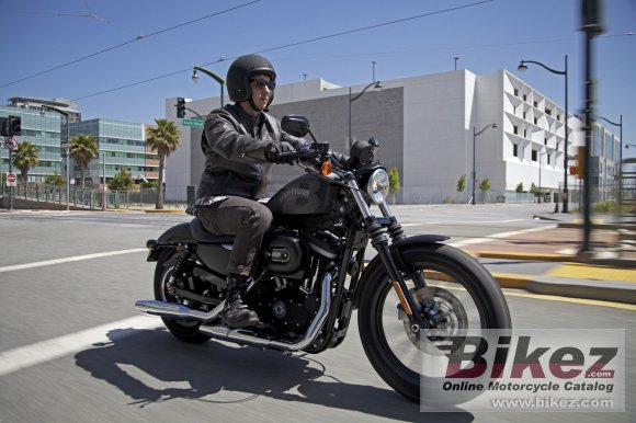 2013 Harley-Davidson Sportster Iron 833 photo