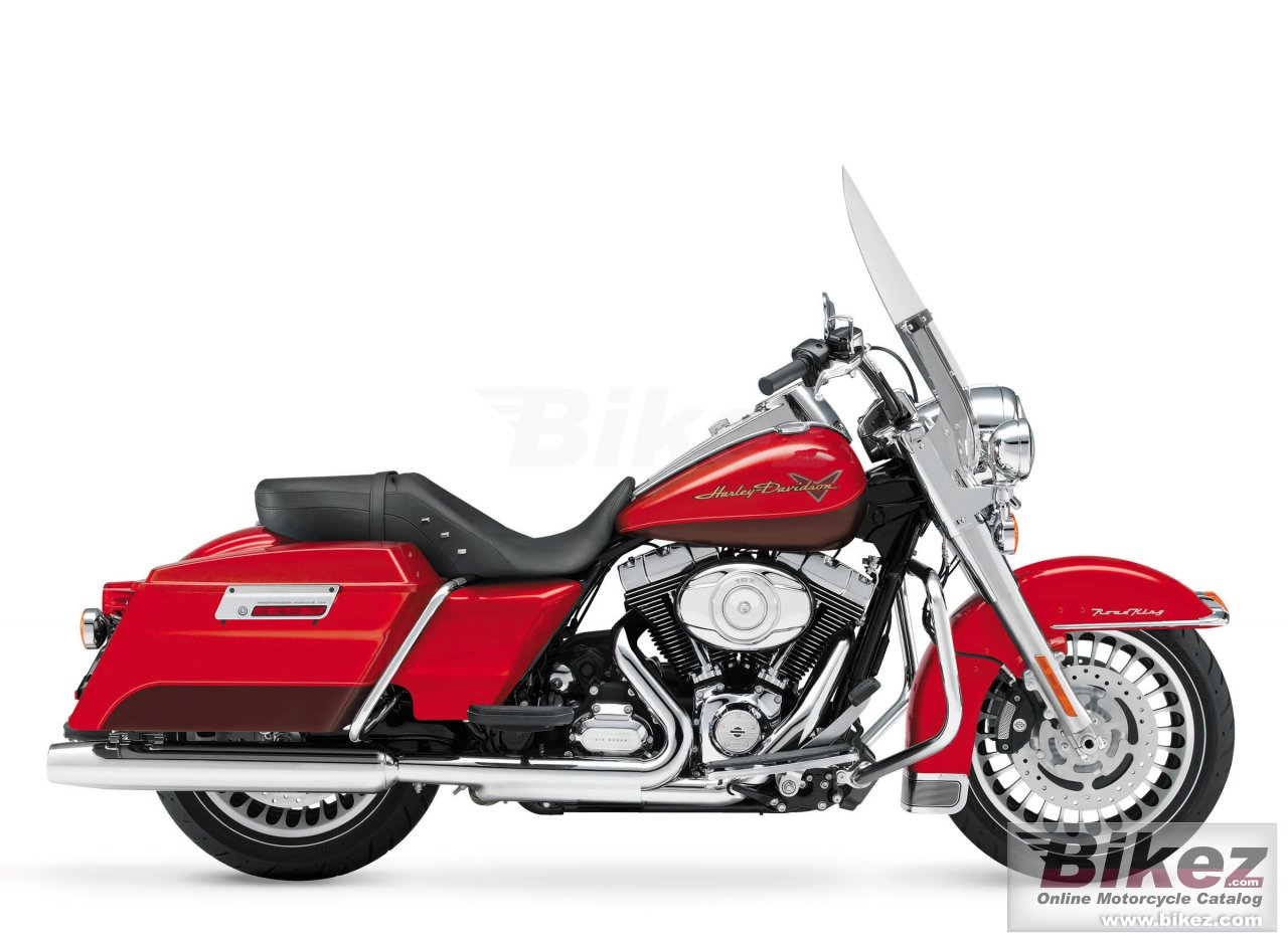 Big Harley-Davidson road king picture and wallpaper from Bikez.com