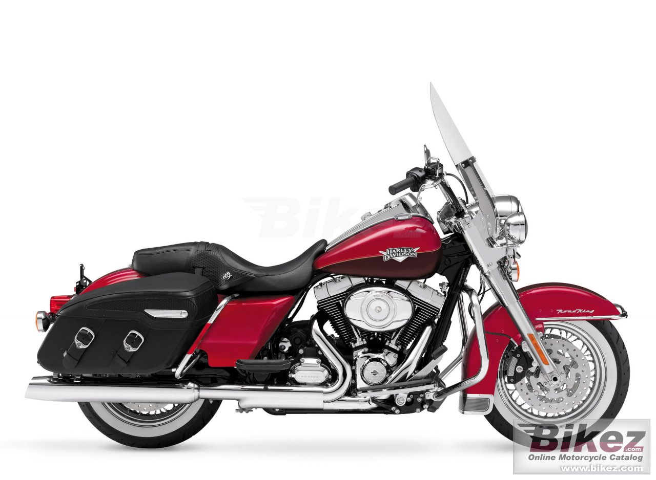 Big Harley-Davidson road king classic picture and wallpaper from Bikez.com