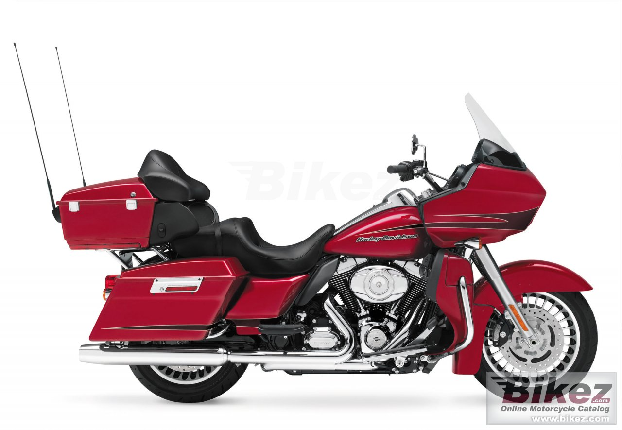 Big Harley-Davidson road glide ultra picture and wallpaper from Bikez.com