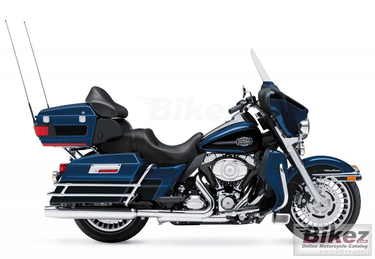 Big Harley-Davidson ultra classic electra glide picture and wallpaper from Bikez.com