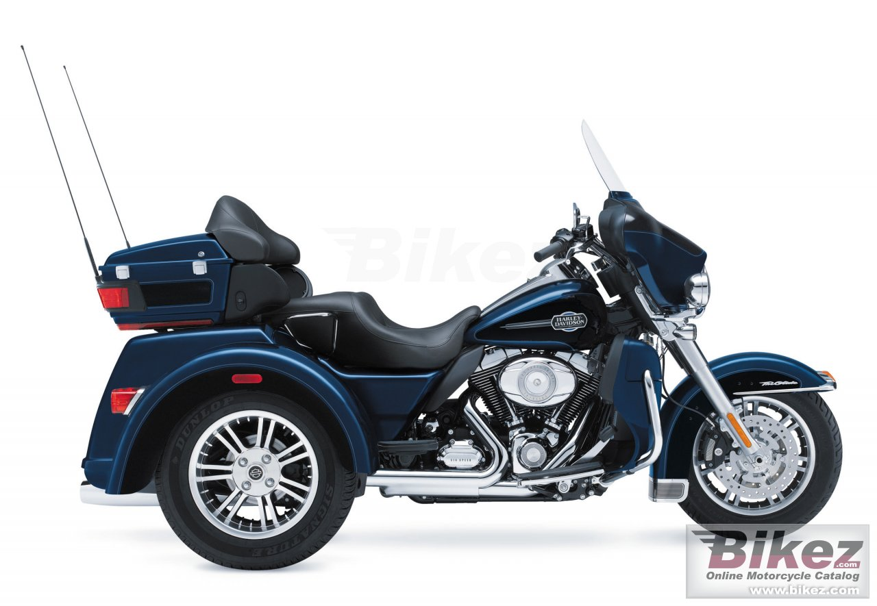 Big Harley-Davidson tri glide ultra classic picture and wallpaper from Bikez.com