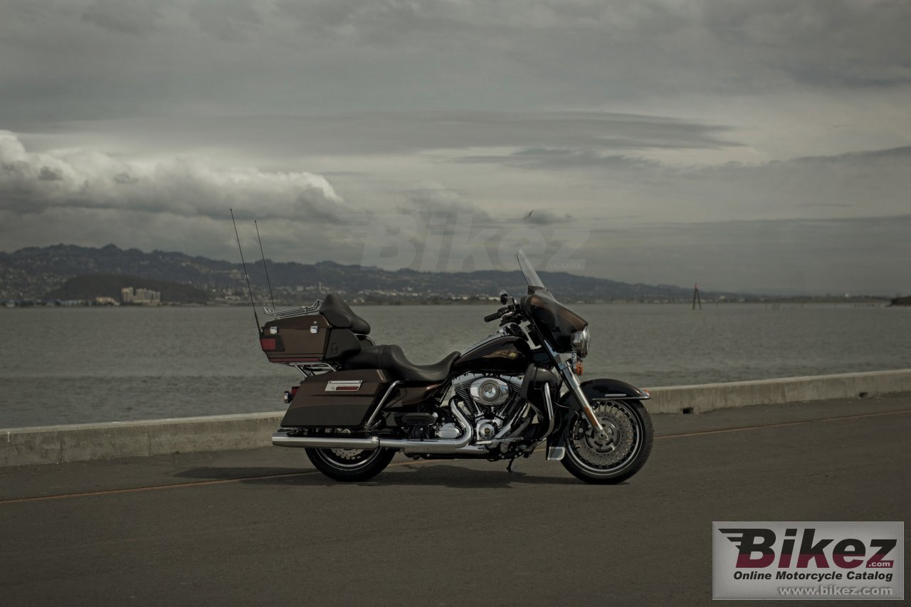 Big Harley-Davidson electra glide ultra limited 110th anniversary picture and wallpaper from Bikez.com