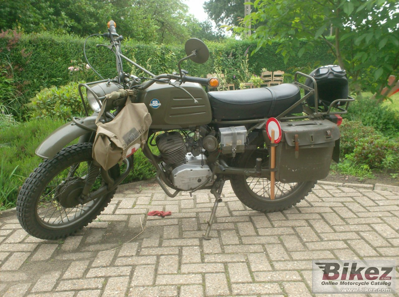 Big m k 125 military picture and wallpaper from Bikez.com