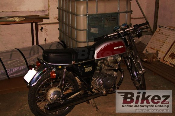 1975 Honda CB 125 disc photo