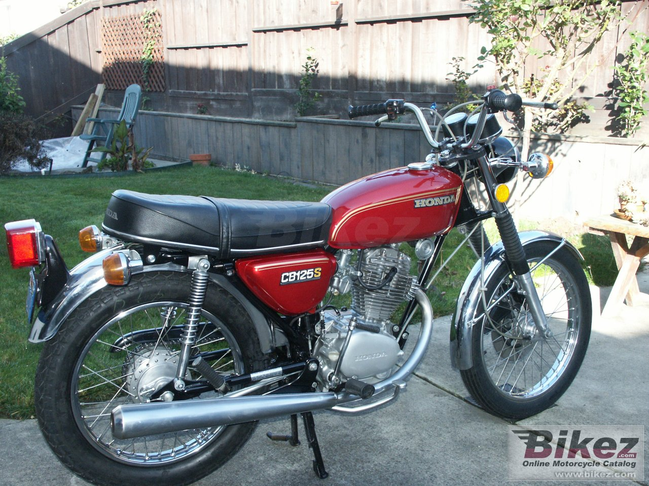 Big  cb 125 s picture and wallpaper from Bikez.com