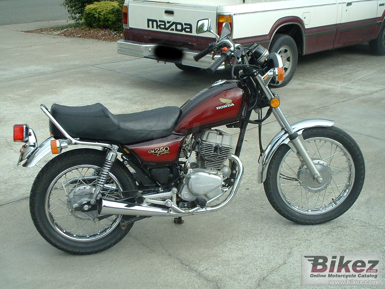 Big  82- Honda Cm250C with 4000 original miles cm 250 c picture and wallpaper from Bikez.com